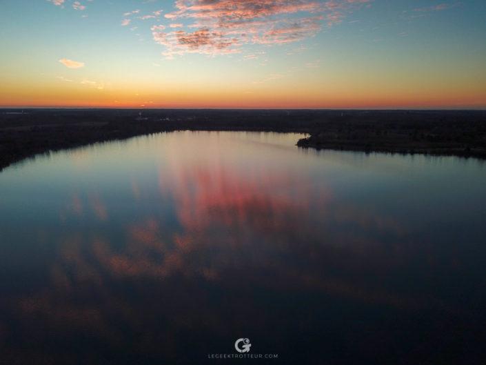 Coucher de soleil au dessus du lac d'Arjuzanx