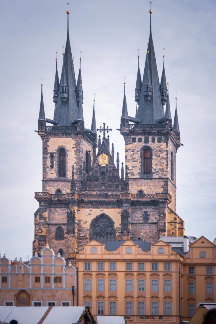 L'impressionnante église de Notre-Dame du Týn à Prague