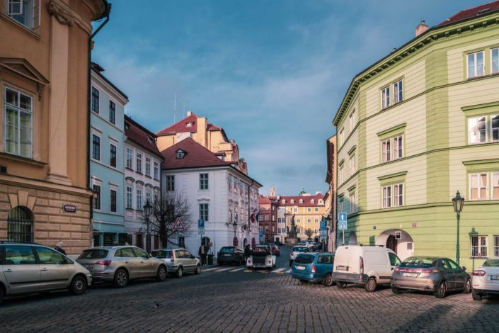 Les vieilles ruelles du quartier Malá Strana à Prague