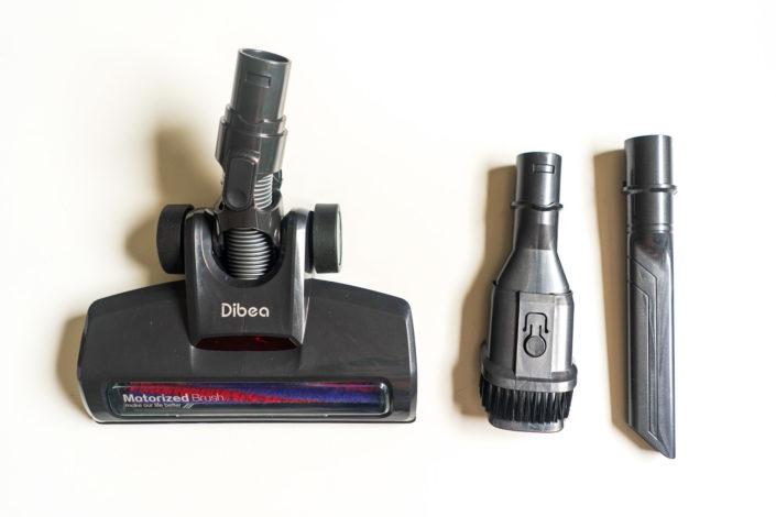 La brosse motorisée et les deux accessoires